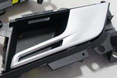 画像2: Audi 純正 RS5(F5) ドアインナーハンドル セット クーペ、カブリオレ (2ドア) 用 (2)