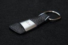 画像1: Audi 純正 アクセサリー レザーキーリング (Q3) (1)