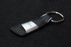 画像1: Audi 純正 アクセサリー レザーキーリング (Q5) (1)