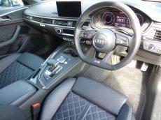画像2: Audi 純正 A4(8W/B9) / A4 allroad quattro(8W/B9) / A5(F5) デコラティブパネル セット カーボン・ブラックハイグロス(ピアノブラック) (2)