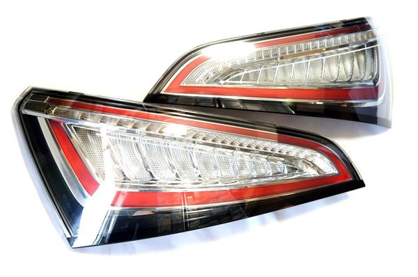 画像1: Audi 純正 Q5(8R) LED クリア テールランプセット (1)