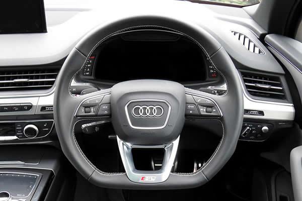 画像1: Audi 純正 S Q7(4M) フラットボトム ステアリング  (1)