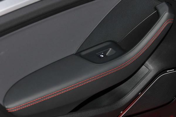 画像1: Audi 純正  A3/S3/RS3 (8V) Sedan / Sportback ドア アームレスト セット(1台分セット) (1)