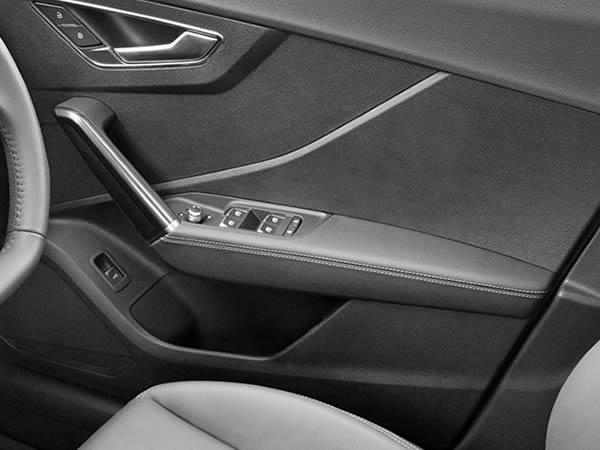 画像1: Audi 純正 Q2(GA) レザー ドア アームレスト セット (1)