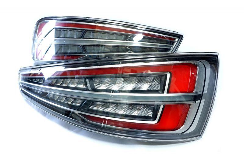 画像1: Audi 純正 Q3 / RS Q3 (8U) LED クリア テールランプセット (1)