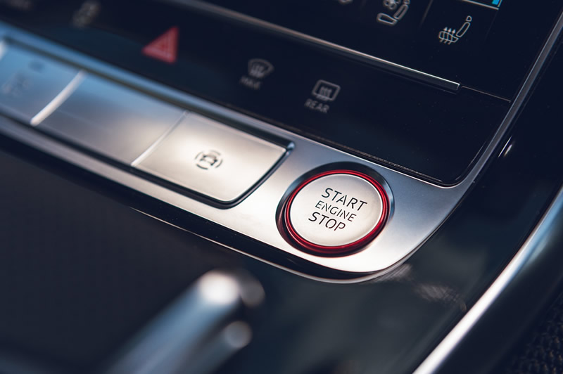 画像1: Audi 純正 Q8/SQ8/RSQ8(4M/4M8/F1) / Q3(F3) / Q7(FL後4M) / A1/S1(GB) / A8/S8(4N/F8) スタート/ストップスイッチ (レッドトリム) (1)