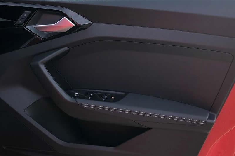画像1: Audi 純正 A1(GB) レザー ドア アームレスト セット (1)